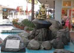 広島マリーナホップのリトルマーメイド像